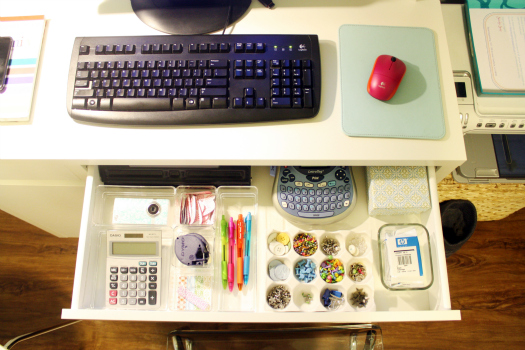 organized-studio-desk2