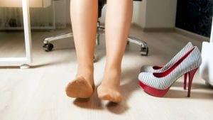 tailbone hurts stretch legs