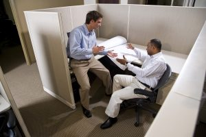 4 reasons to buy new office furniture