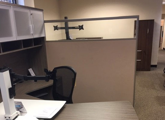Glass-Topped-Cubicle-Dividers
